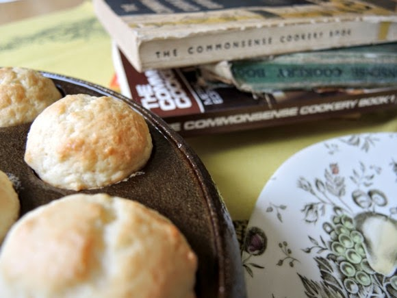 katiecrackernuts.blogspot.com || The Commonsense Cookery Book and gem scones