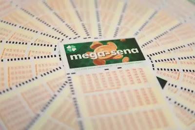 Mega-Sena da Virada pode pagar R$ 300 milhões — Foto: Marcelo Brandt/G1