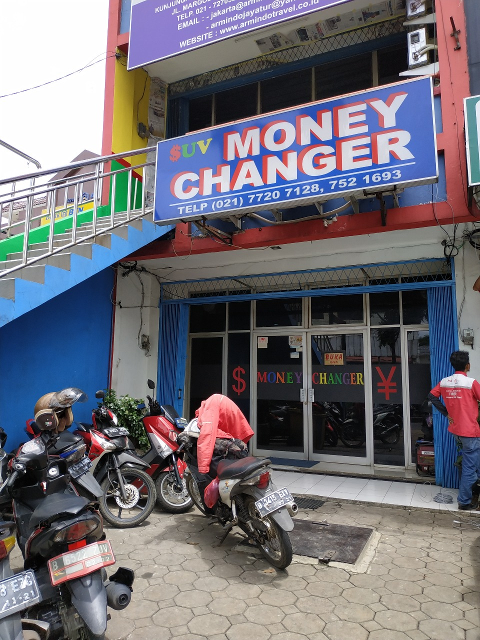 tempat penukaran uang asing di depok