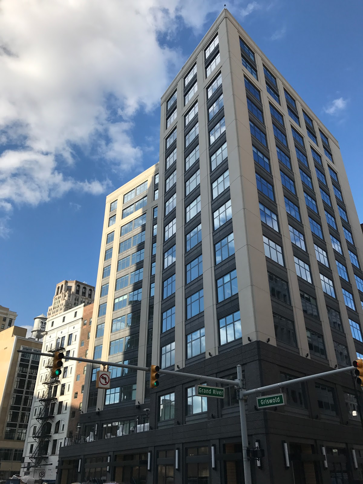 Dan Gilbert S 13 Story 218 Unit Micro Apartment Development Is Now Online In Capitol Park