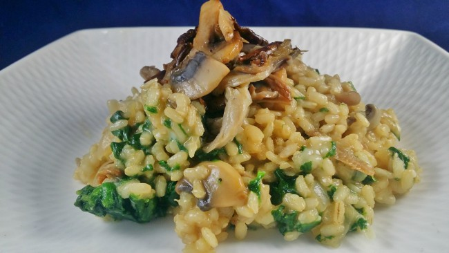Un arroz con espinacas y setas