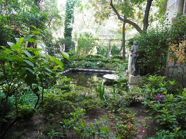 Alberca en el tercer jardín del Museo Sorolla