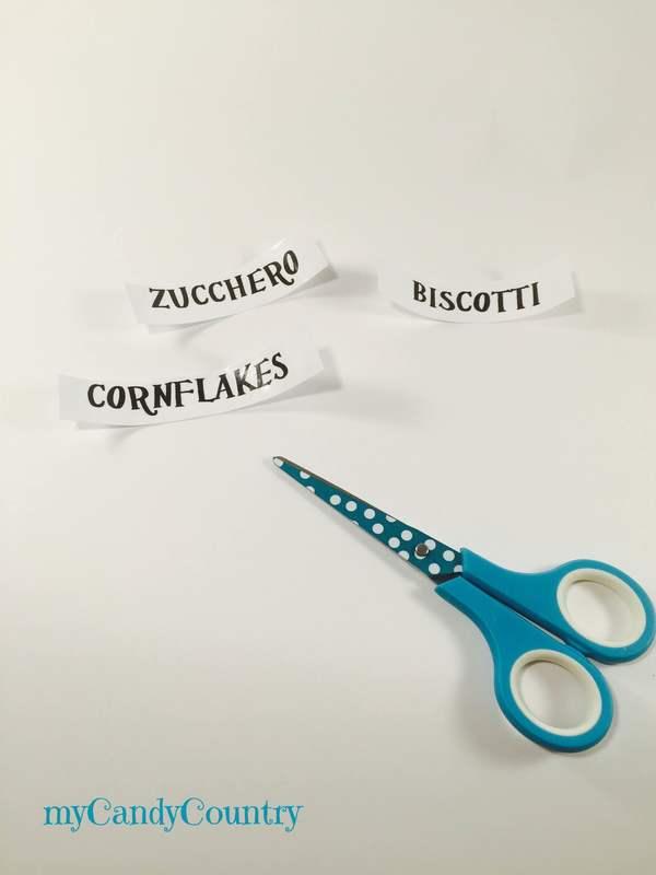 Etichette fai da te: come trasferire immagini dalla carta al nastro adesivo
