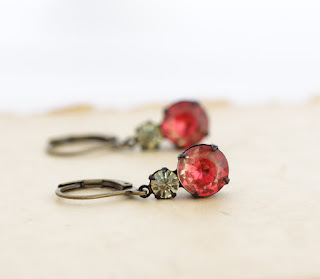 https://www.etsy.com/listing/270371143/siam-vintage-jewel-earrings-glass-jewel?ref=shop_home_active_6