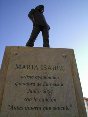 Antes muerta que sencilla Ayamonte Capricornio Discos España Eurovision Huelva Maria Isabel estatua ShurKonrad 3