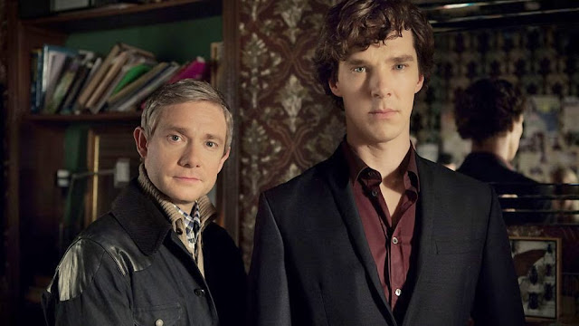 Martin Freeman e Benedict Cumberbatch interpretam John Watson e Sherlock Holmes na série. (Foto: BBC/divulgação)