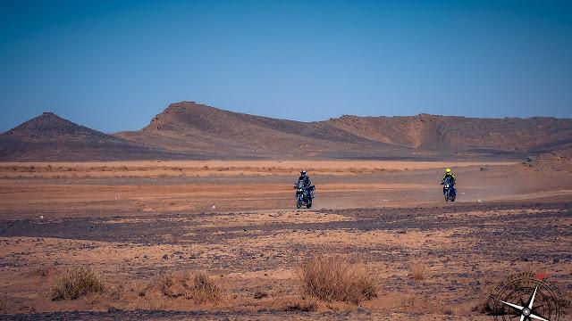 pistas en el desierto