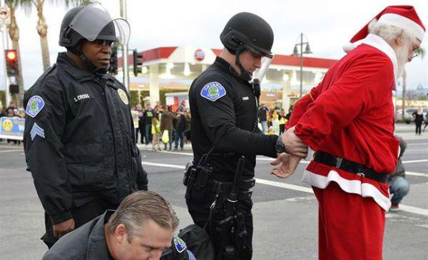 Crisis le pega a Santa Claus