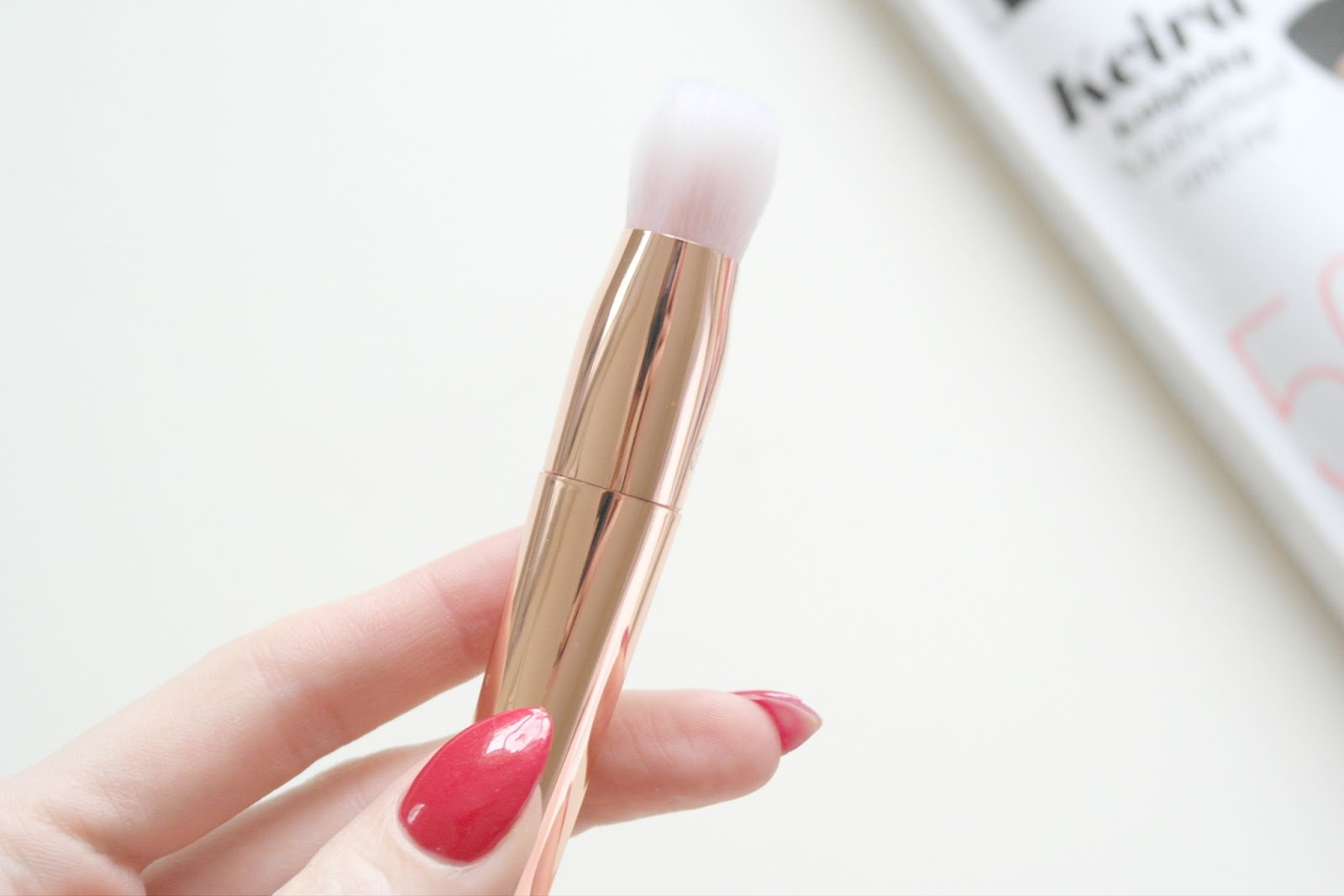 Real Techniques Bold Metals 301 Flat Contour Brush Review by Beauty Blogger