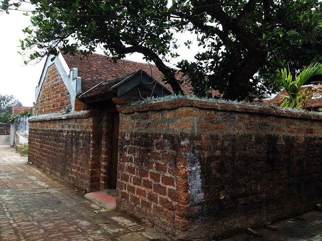 Beautiful 300-year-old house in Duong Lam ancient village 3