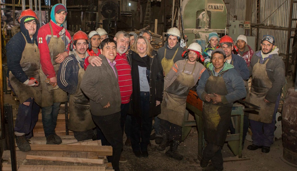 Madereros culpan a Bertone de chamuyera