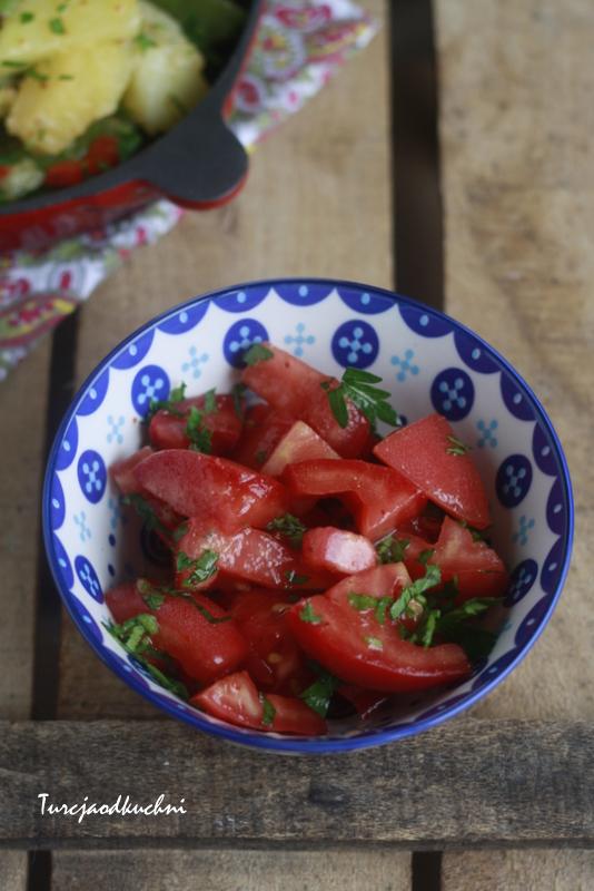 Libańska sałatka z pomidorami i kuminem