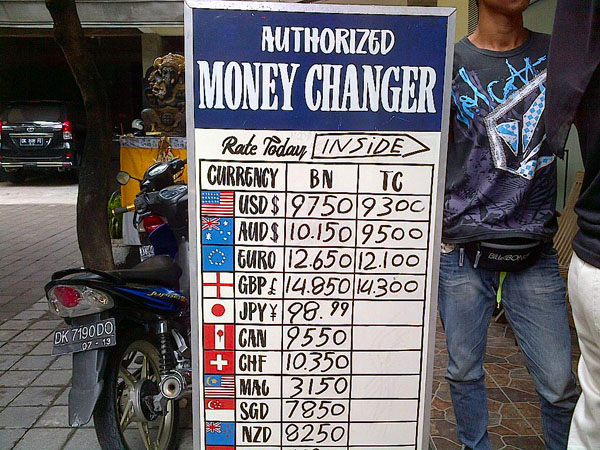 3 scams to avoid while going to bali - A supposed authorized money changer