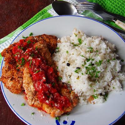simple fried chicken recipe, how do you make fried chicken, how do you fry chicken, fried chicken seasoning, how to fry chicken breast, fried chicken recipe,