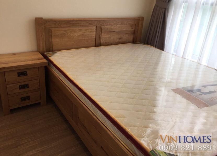 view giường ngủ và niệm tại căn hộ cho thuê vinhomes