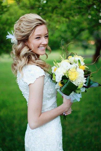 como hacer peinados de novia con tiara