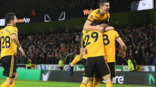 Pemain Wolves merayakan kemenangan atas Liverpool pada laga babak ketiga Piala FA, Senin (7/1/2019) waktu setempat - Foto/Twitter/wolves