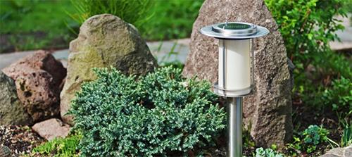 Lampe solaire de jardin puissante