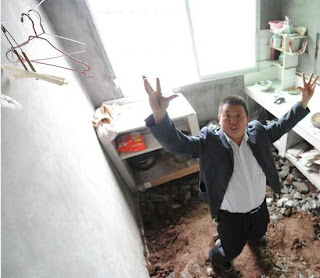 入居1年弱で床が崩壊。中国