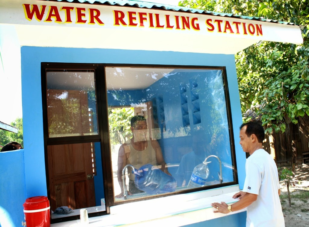 skyce purified water refilling station Water refilling station business guide one of the fast expanding business in manila, and in most metro cities nationwide, is the water refilling station it's mushrooming on every street corner, because a lot of people in urban areas prefer to get their drinking water from these water stations, it's simply clean and safe to drink.