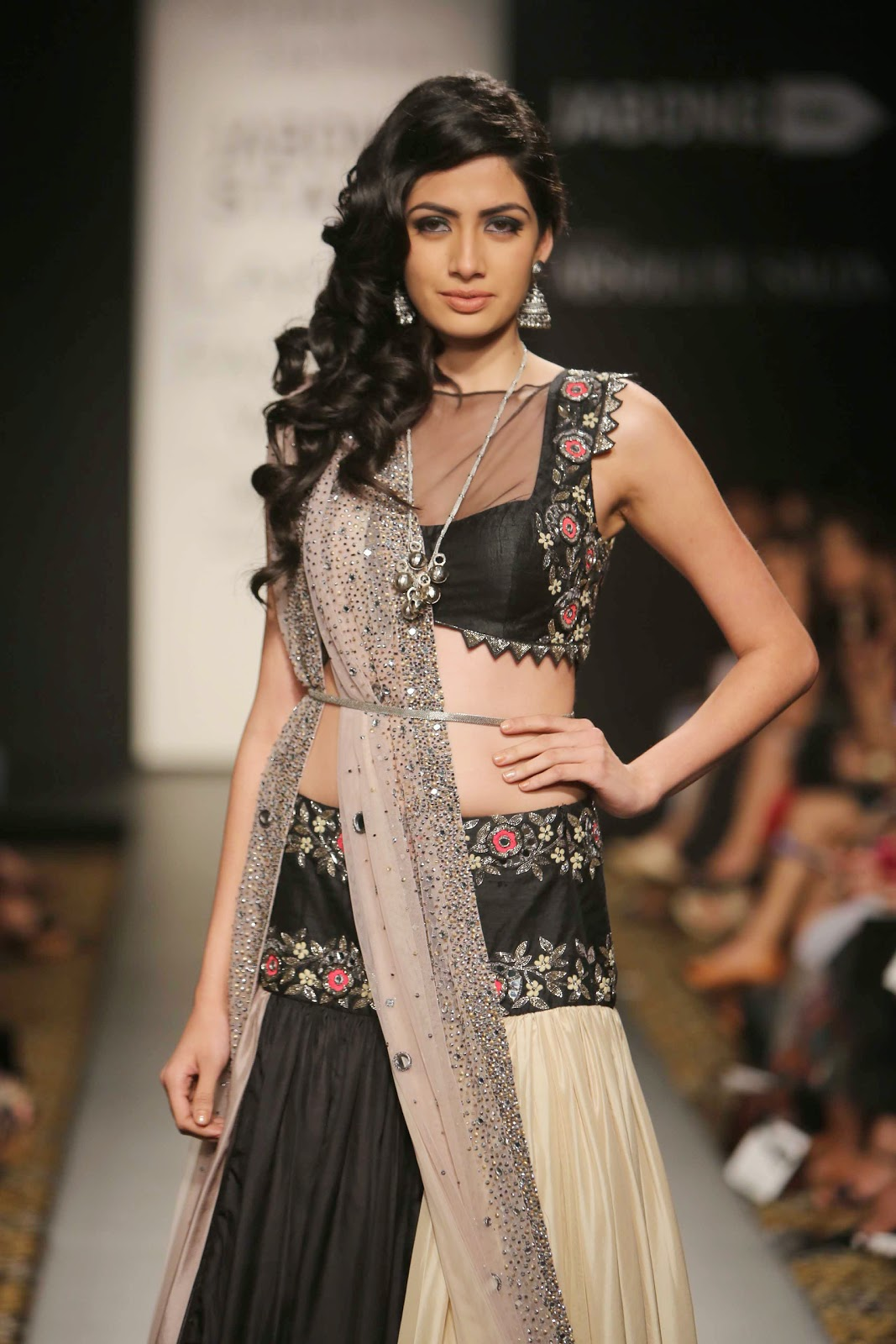 Model poses for Arpita Mehta at LFW WF 2014