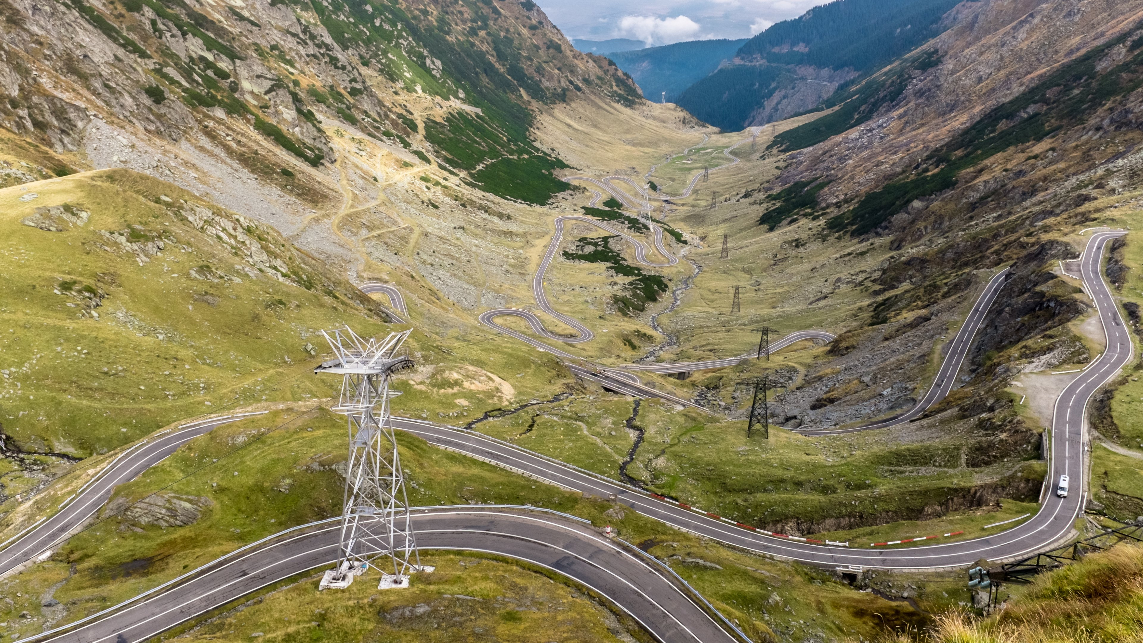 Travel on the Transfagarasan Road in Romania HD