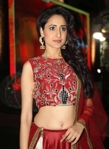 pragya-jaiswal-sexy-pictures