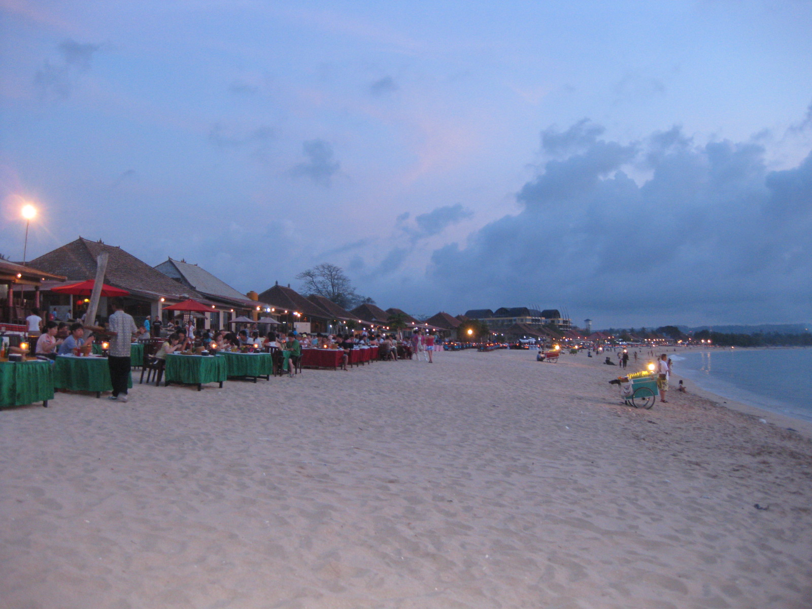 Wisata Bali di Pantai Jimbaran