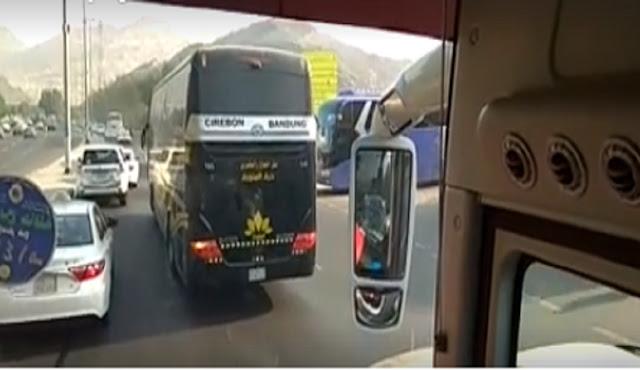 Bus Cirebon Bandung nyasar ke Mekkah bikin geger netizen, lah kok?