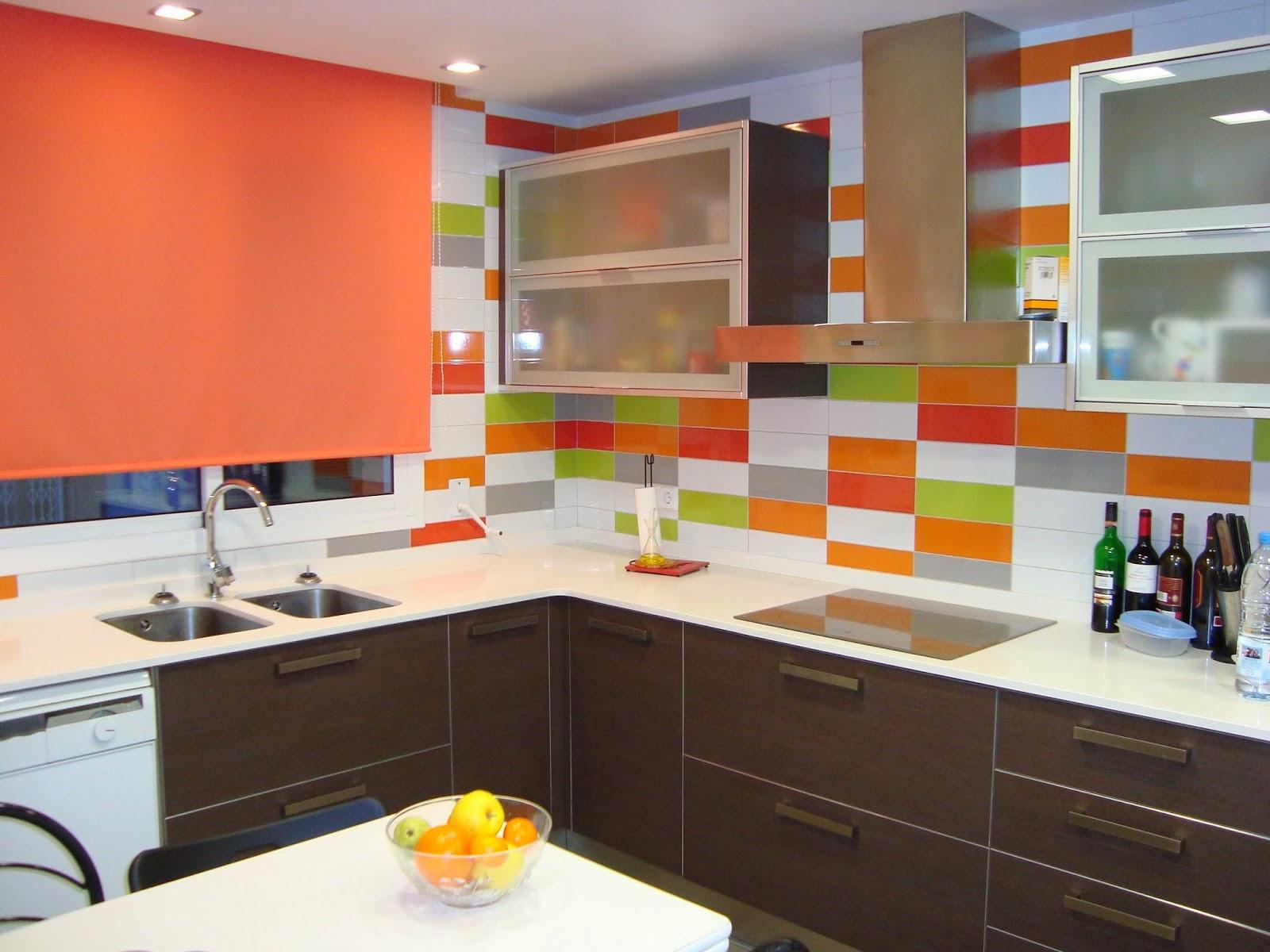Cocinas de obra modernas cocina cocina cambiar los - Cambiar azulejos cocina ...