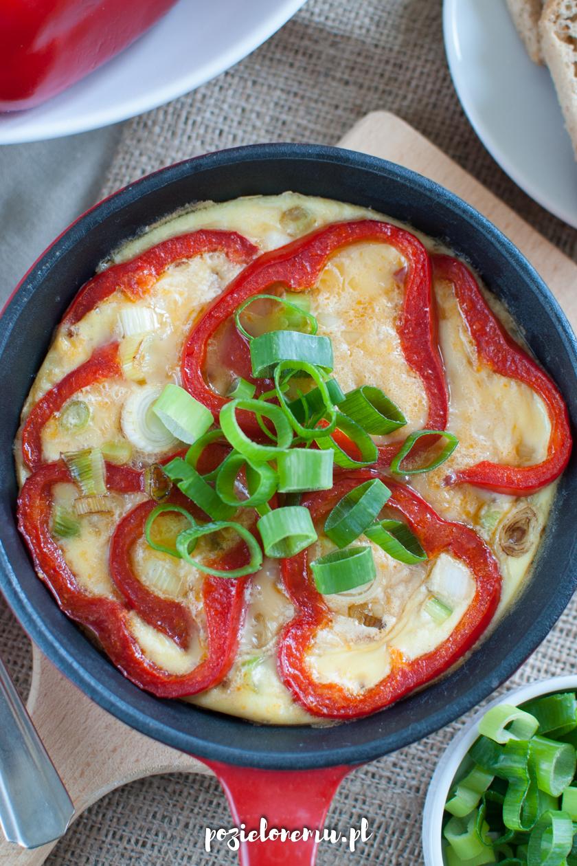Frittata z czerwoną papryką
