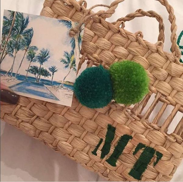 Convite da festa em formato de bolsa de praia