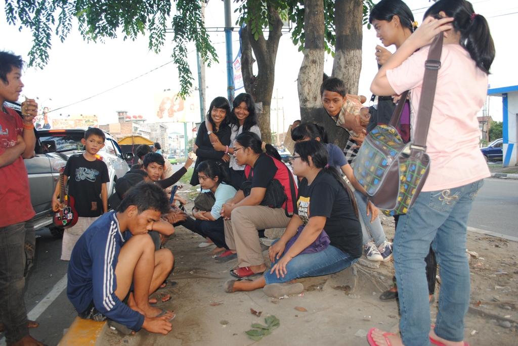 Mewarnai Perjalanan Hidup Belajar Anak Jalanan