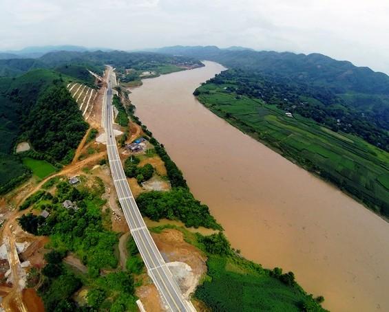 Đường cao tốc từ Hà Nội lên Lào Cai và Sa Pa