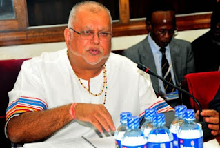 """""""You need to go into the kind of business that suits your lifestyle, interests and passion so that you enjoy what you are doing."""" -Sudhir Ruparelia"""