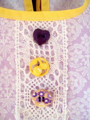 Detta inspirerar så klart till att sy små gåvor ) Först ut denna lilla  klänning till ett litet nyfött flickebarn. 05cd9735ef760