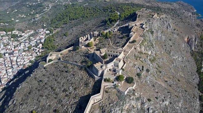 Τα κάστρα του Ναυπλίου από drone