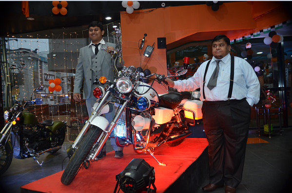 Fab Motors- MD. Mr. Shariq and Chairman. M.G Jeelani