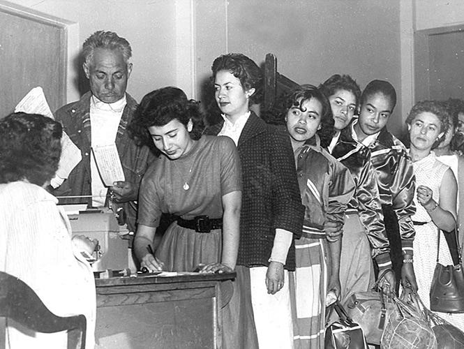 17 de octubre 1945 yahoo dating 3