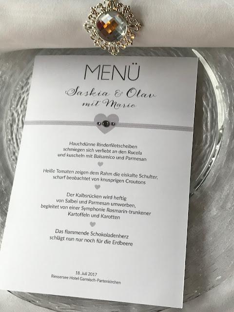 Glitzer Menükarten, Hochzeit zu Dritt, kleine Familienhochzeit, Riessersee Hotel Garmisch-Partenkirchen, Bayern, freie Trauung
