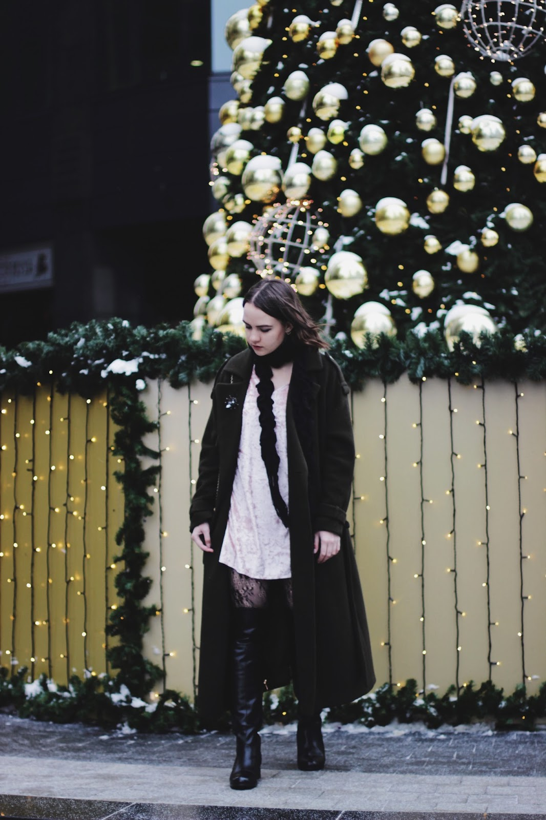 Holiday Outfit   Fashion Blogger