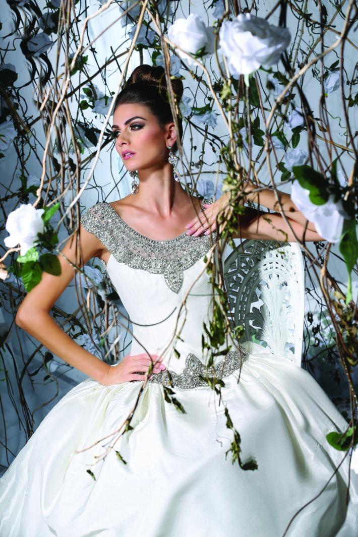 Image 2: Wedding Dress