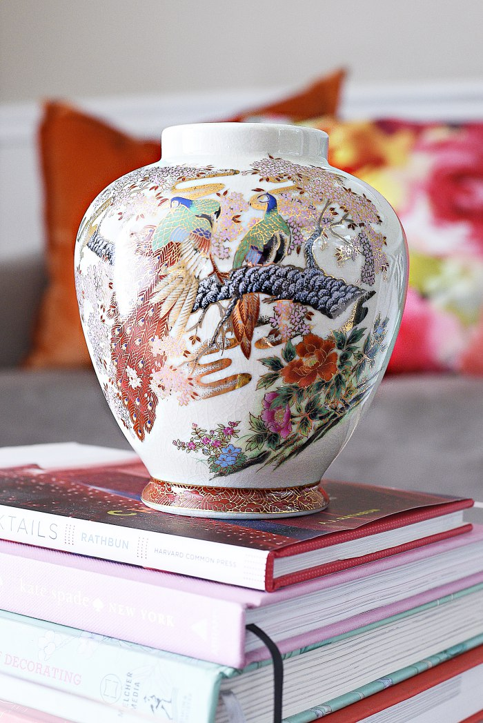 Japanese peacock satsuma vase with gold detailing + Tips for shopping for home decor at antique and thrift stores. | via monicawantsit.com