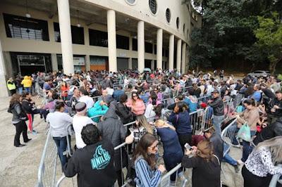 Ingressos para uma turnê de reunião de Sandy e Junior reuniu uma multidão de fãs