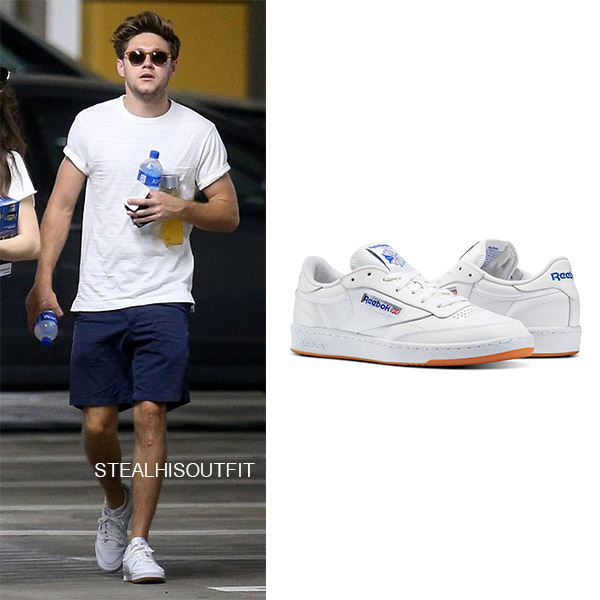Niall Horan wears white Reebok sneakers mens street fashion august 2018