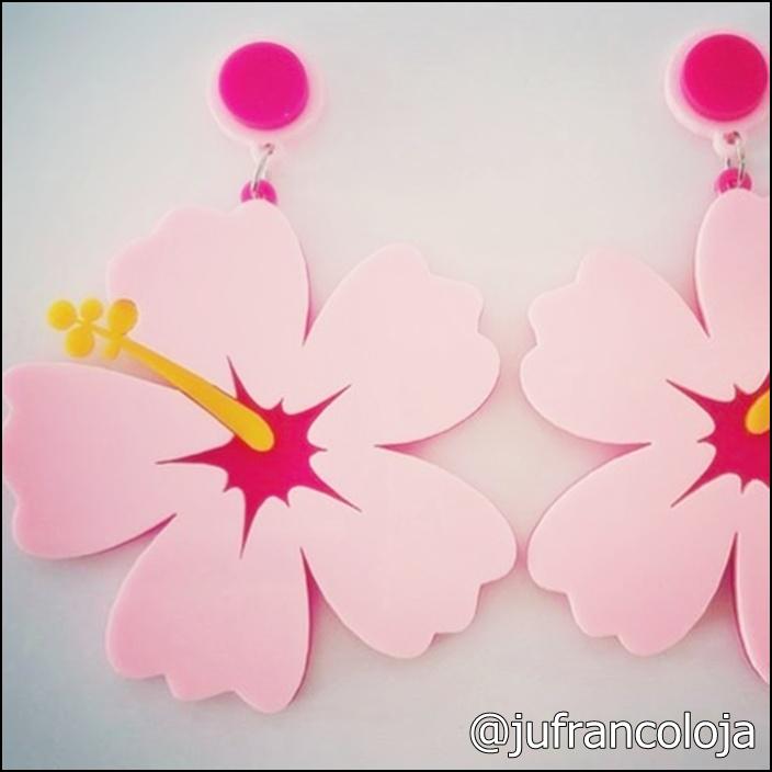 Brinco de flor