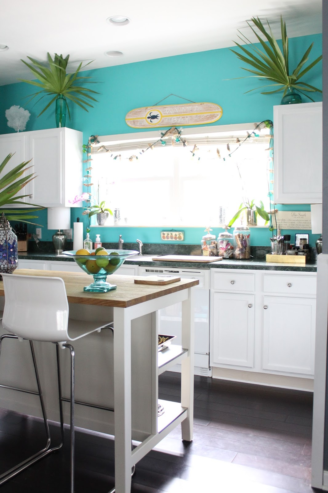 Life with a Dash of Whimsy: Beach House DIY: Painting Kitchen Cabinets