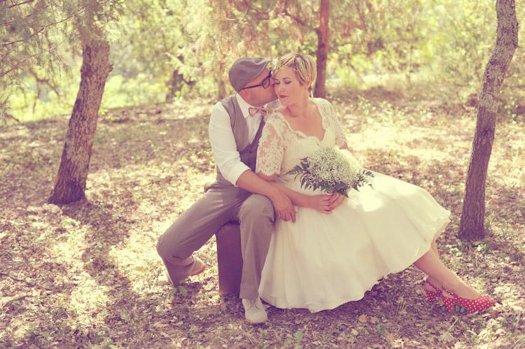 http://www.sweetcandyphotographie.com/2012/09/mariage-dedith-sebastien-gard.html