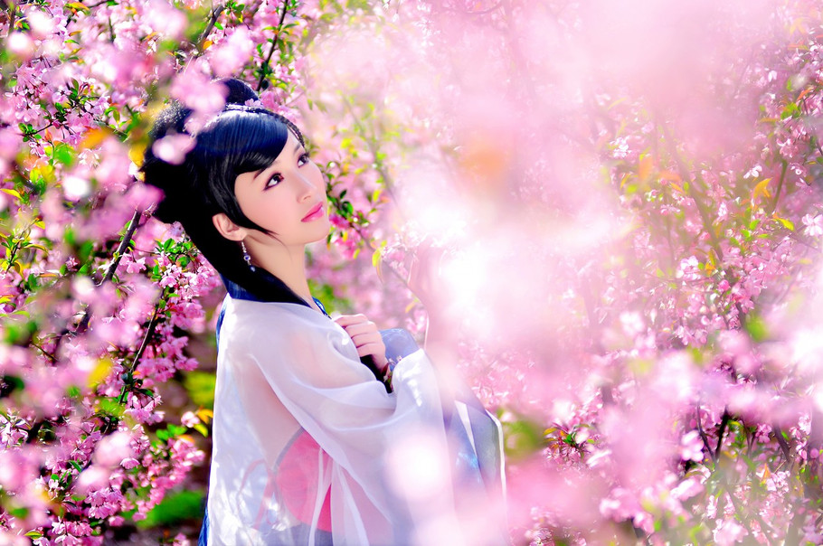 《相约桃花源》古典桃花美女素材  - Classical Peach Blossom (Spring) Beauty 我沒有錯 (wǒ méi yǒu cuò) - I am not in the the wrong 不要你愿谅我 (bù​ yào nǐ yuàn liàng wǒ) - Do not need you to forgive me