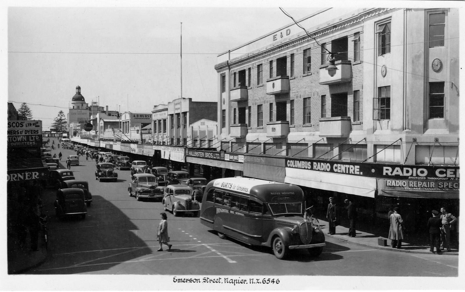 transpress nz: traffic in Emerson Street, Napier, late 1940s